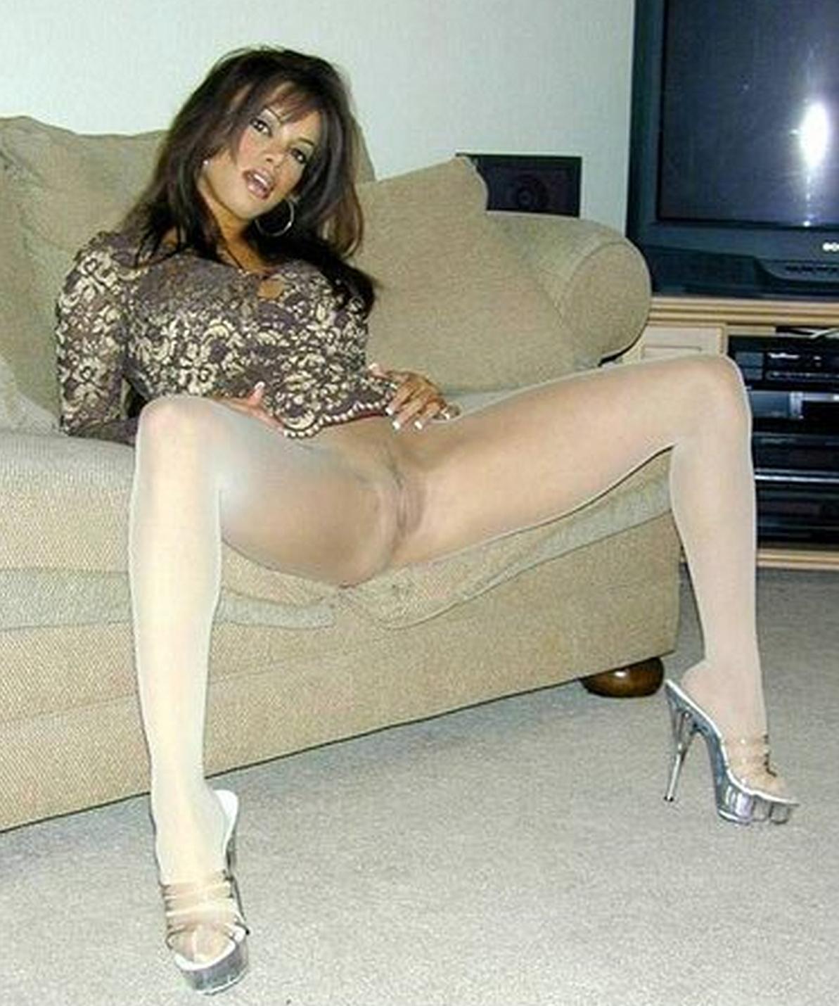 Что у женщины между ног в колготках 7 фотография