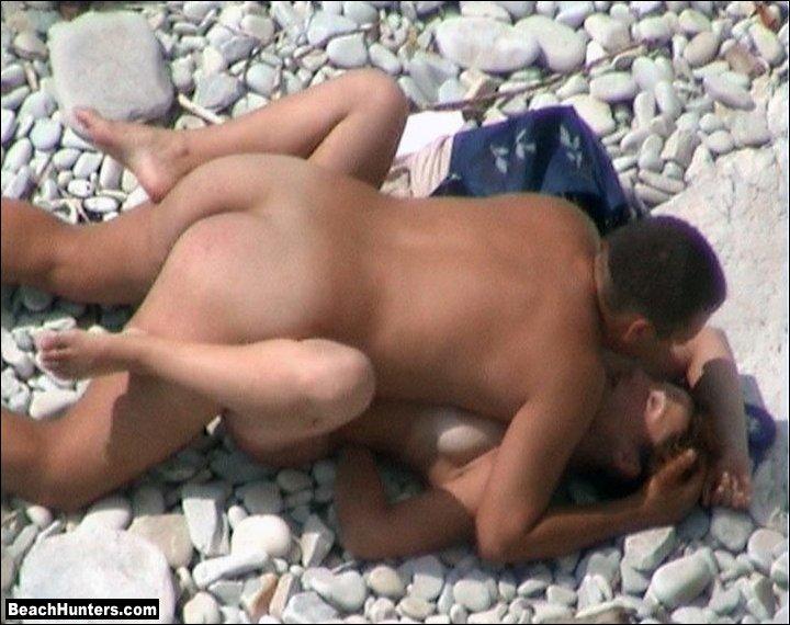 Порно снятое на скрытую камеру пляж