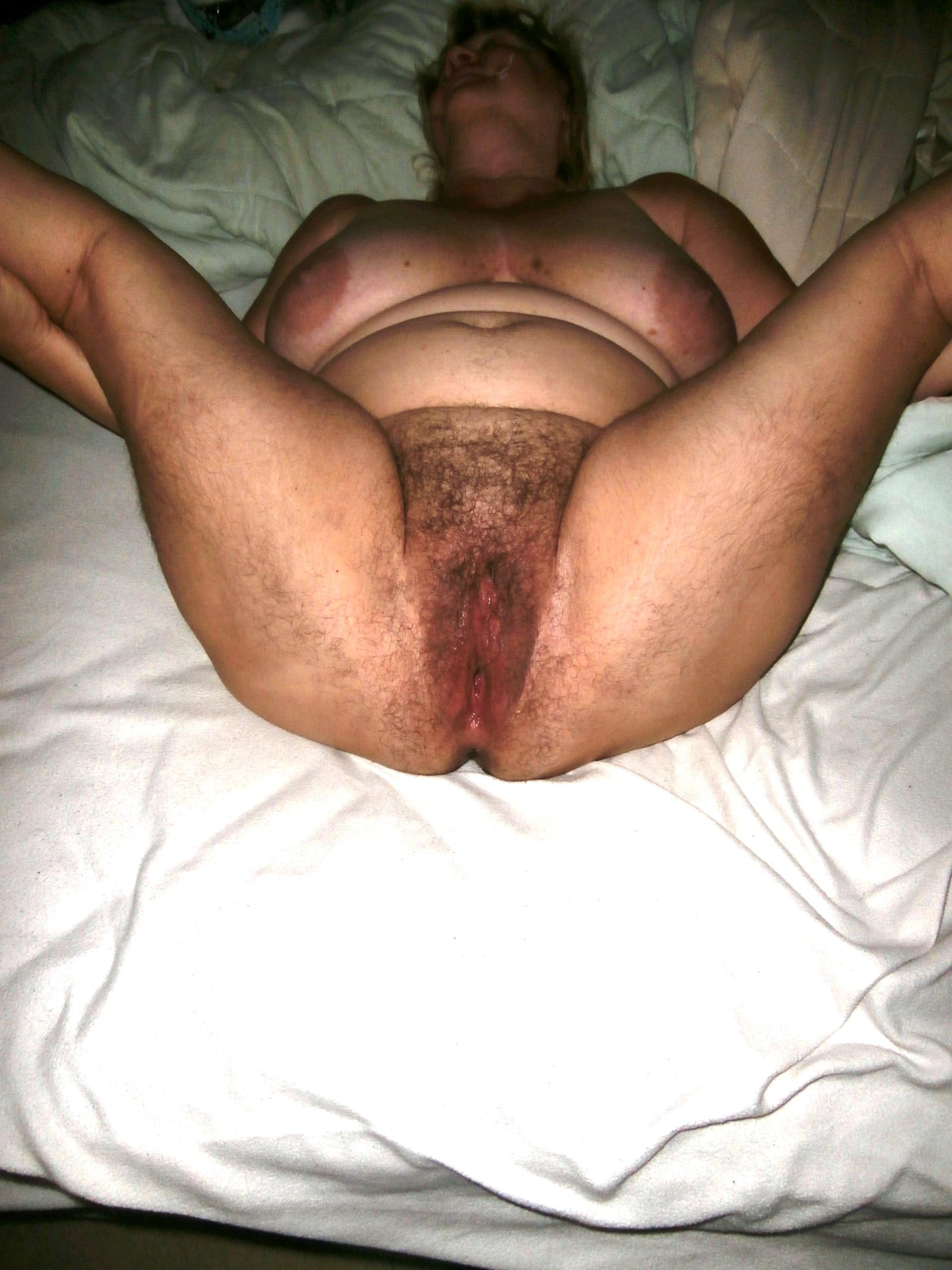 bored housewife masturbating