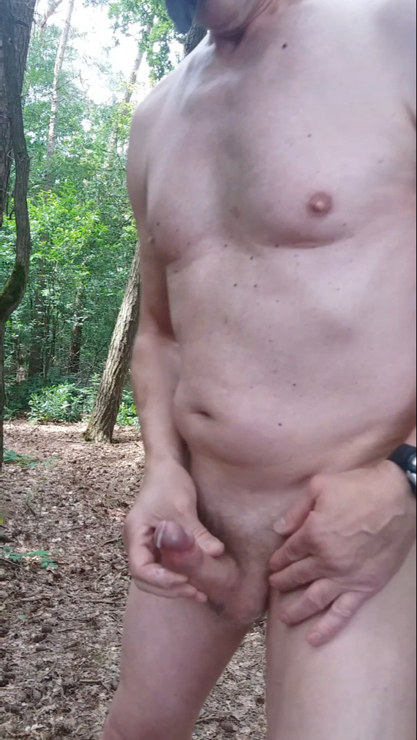 exhibitionist public outdoor naked jerking and cumshot hoping to get caught