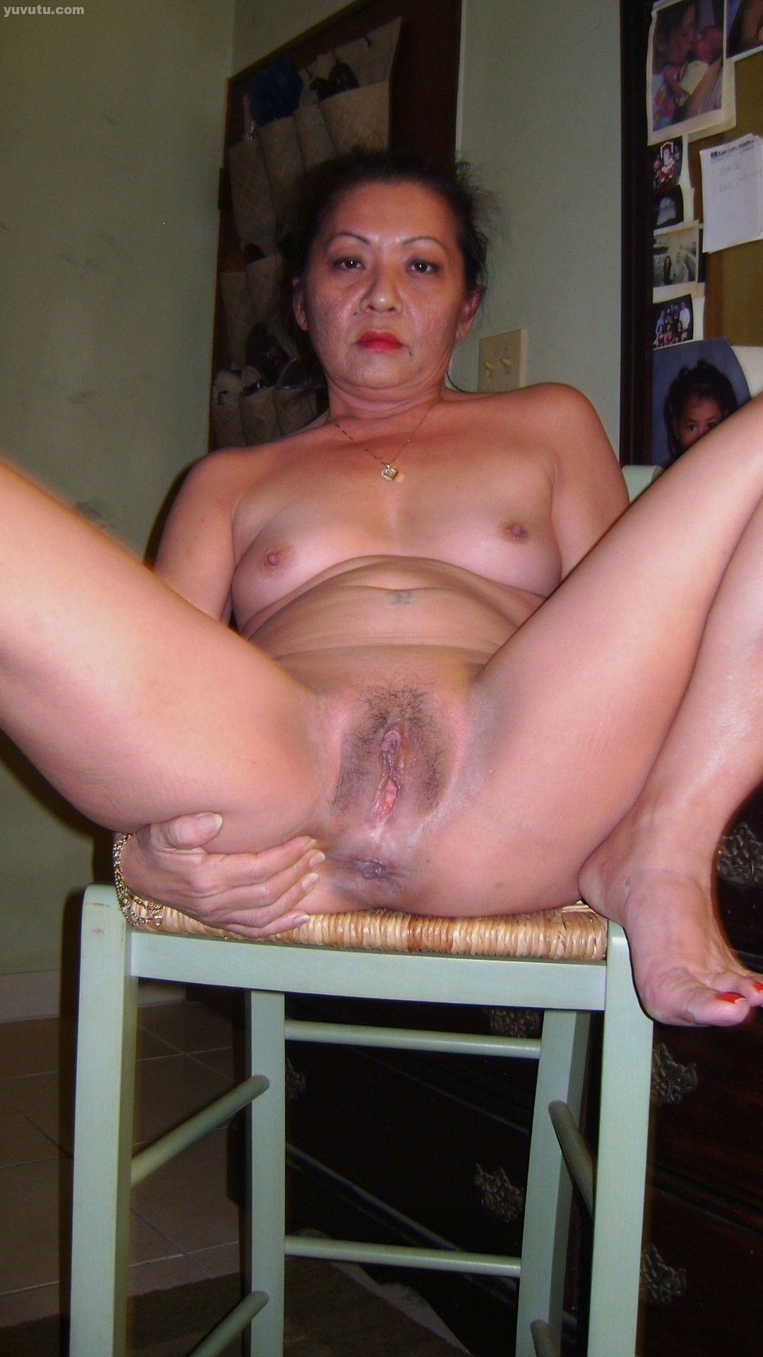 Naked old wife