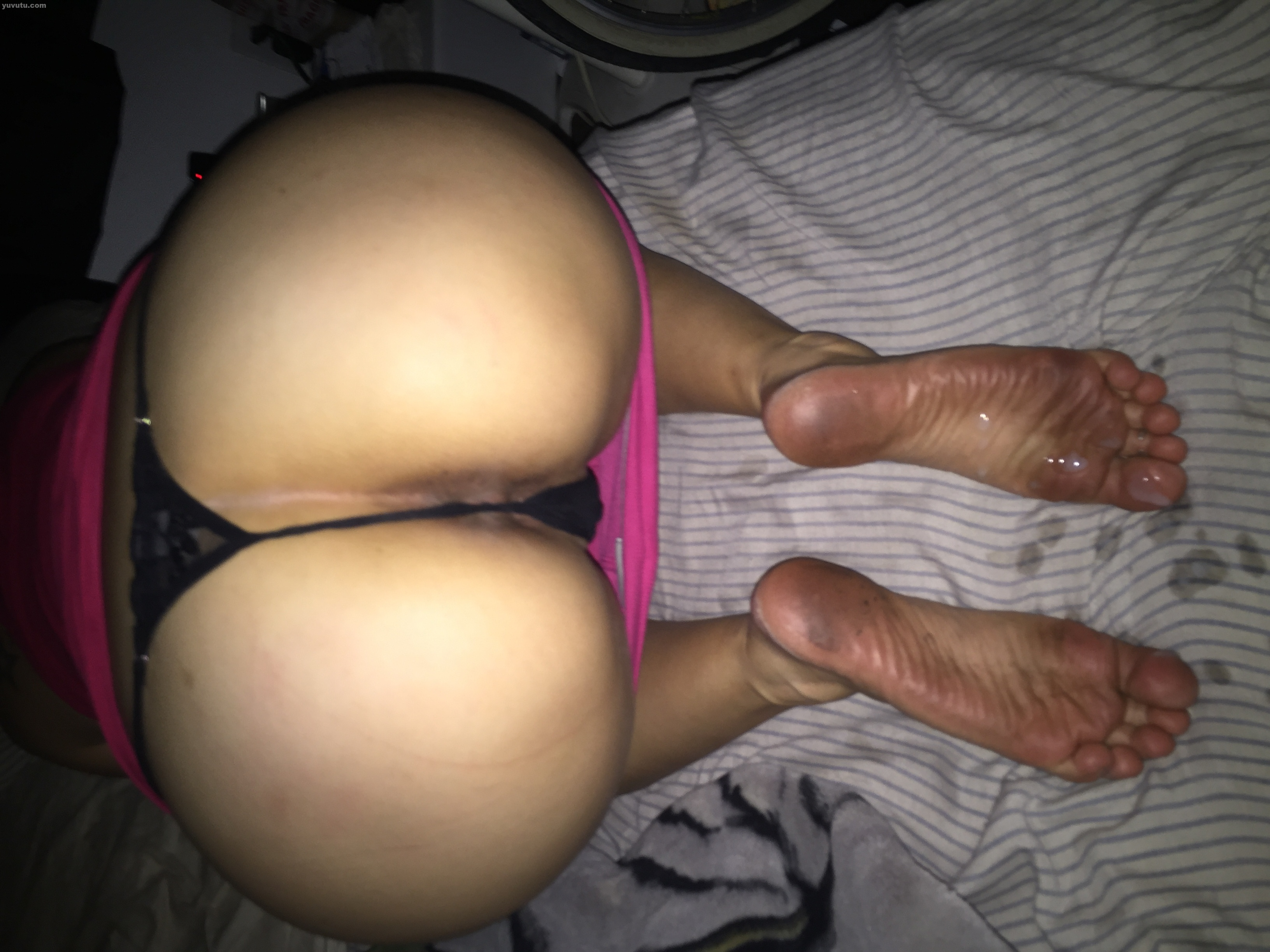 Wife showing off her big ass