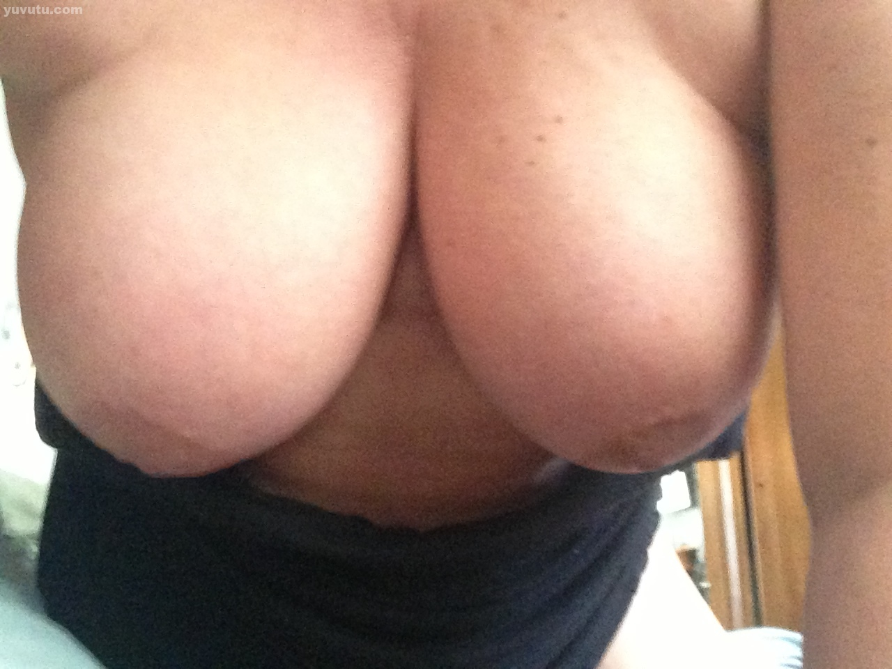 F cup breast naked