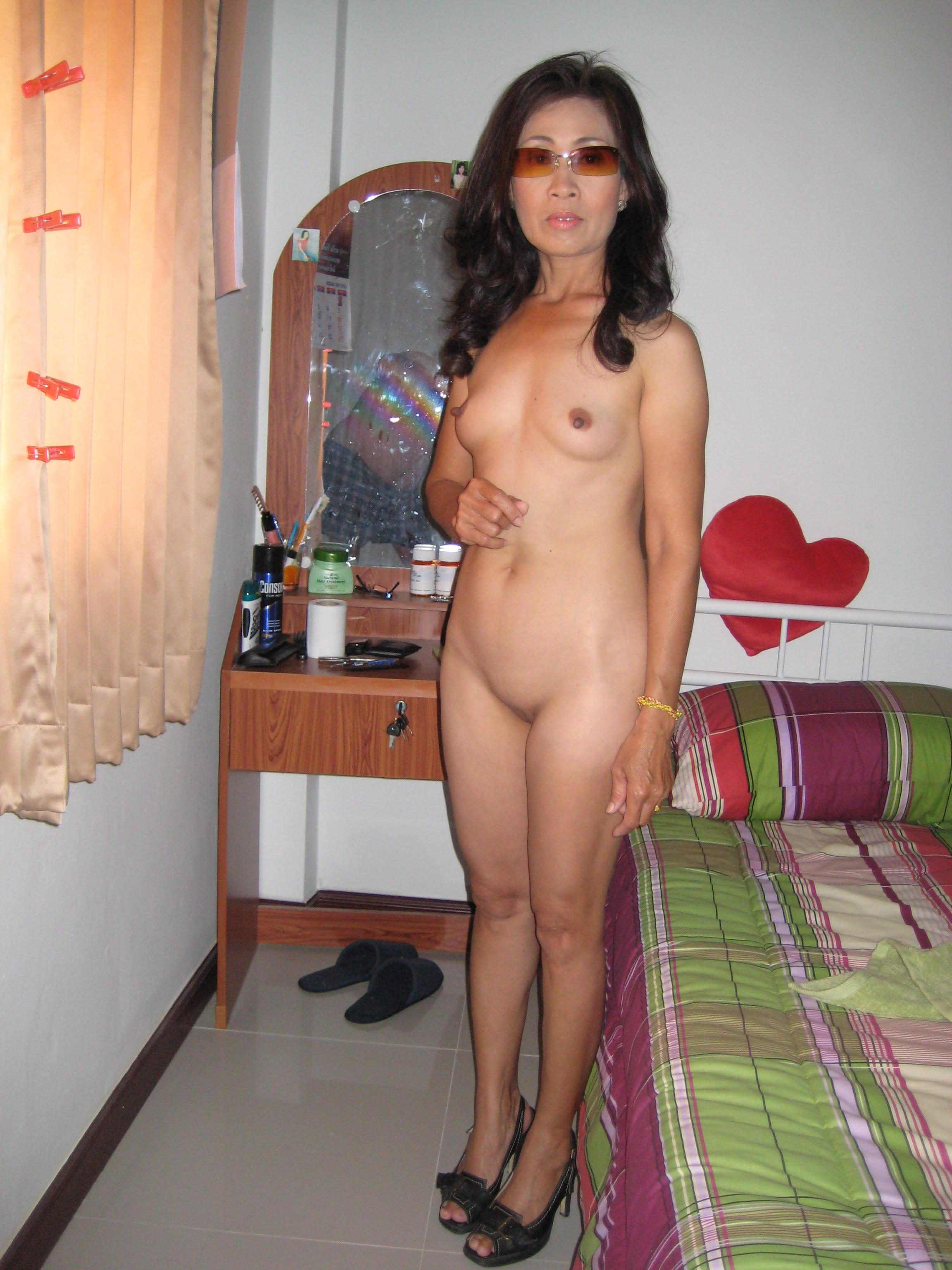 Sex mature thai women