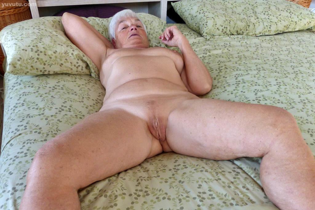 Granny amateur spread homemade
