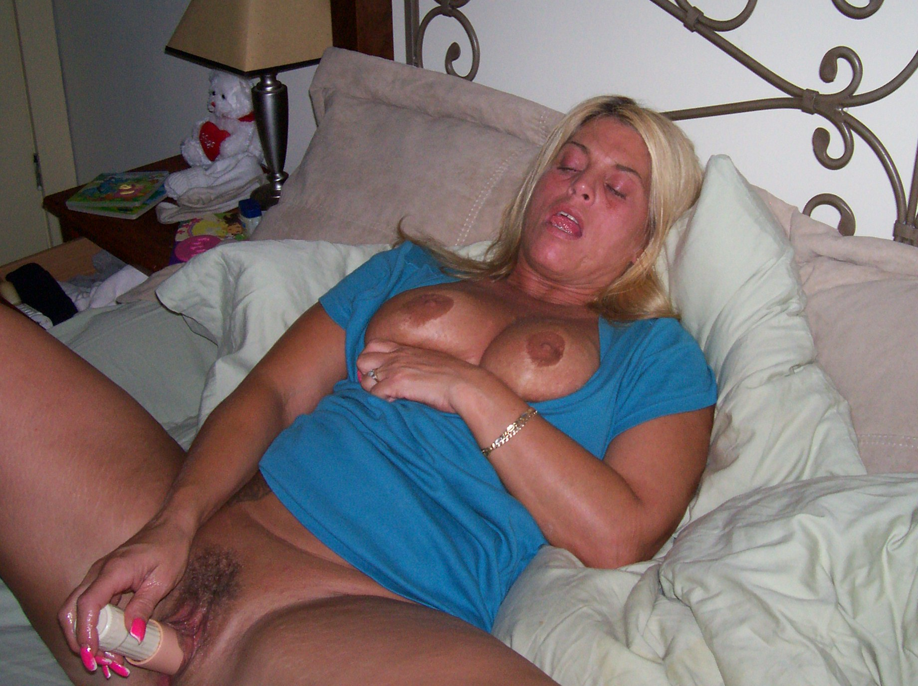 Milf riding black cock