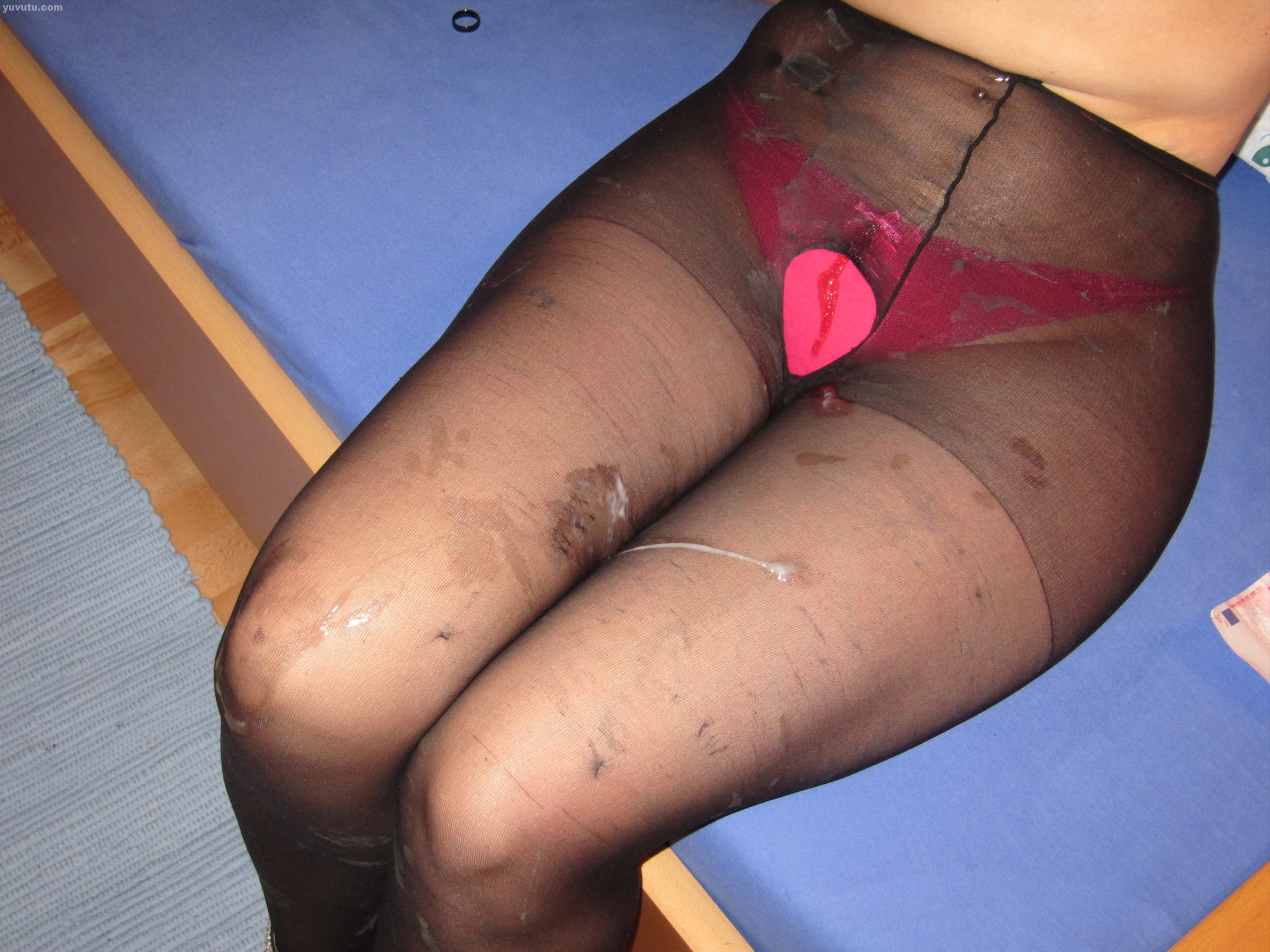 Cum on my pantyhose