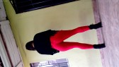 Modelando Jeans Rojos 3