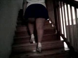 - sulle scale