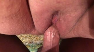 Primi piani - Extreme clear closeup of his cock fucking my pus...
