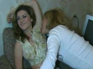 - Leccata lesbo di ascelle