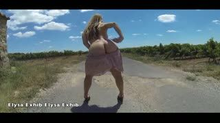 Exhibicionismo - Flashing and nude on a country road