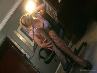 Tettone - Busty Kelly Madison Has Hot Phone Sex In Her Off...