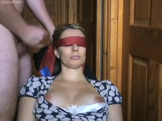 Corrida facial - blindfold cumshot