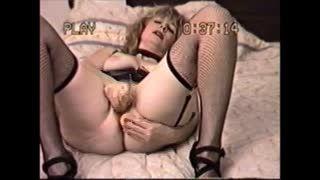 Female Masturbation - Canada 3 hole fuck pig