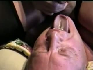 Faciale - cum in his eye