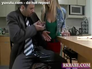 Pipe - sutty young horny blonde girl wants his huge swo...