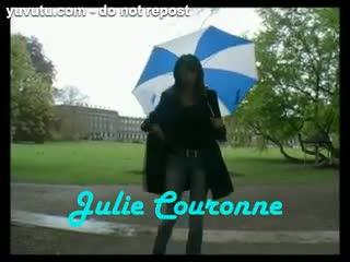 Big Tits - Promenad i regnet