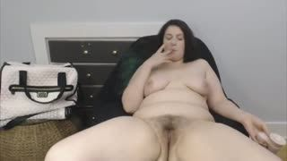 Poilus - Canadian curvaceous lady with hairy pussy
