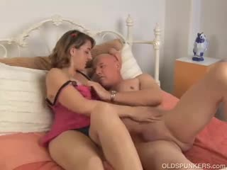 Mature - Sexy MILF loves to suck and fuck