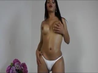 Transexuel(le) - Sultry shemale sweetie Lorraine Balde wanks her ...