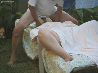 Masturb. mutuelle - backyard naughty