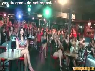 Dreier - 6 Male Strippers and 100 Horny Women