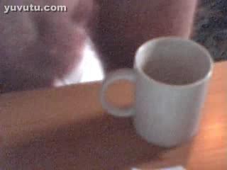 - In die Tasse!
