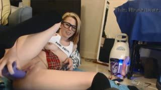 Webcam - College babe in sexy glasses fucks hot pussy