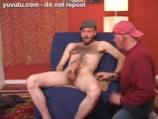 Travesti - This straight hairy hipster dude lets me feel hi...