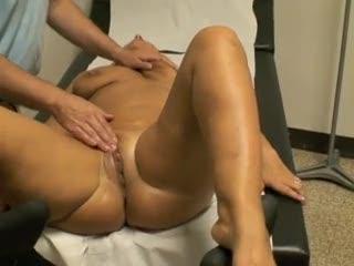 Madurez - Mia moglie Clara dal ginecologo parte 5