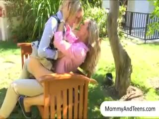 Madurez - Stunning mature Brandi Love and her stepdaughter...