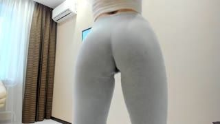Ejaculation féminin - ***** Squirting in Yoga Pants - Watch Part2 on C...