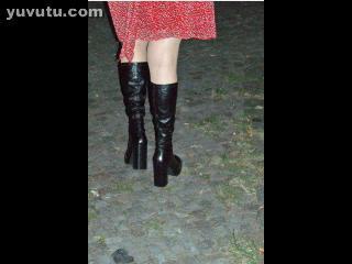 Slideshow - WALKING IN THE STREET -UPSKIRT-