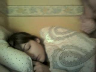 - Sleeping Facial - Ejac Faciale dans son sommeil