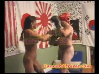 Ejaculation féminin - Nude Karate Fight pinned down and sex squirts