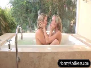 Mature - Mature bombshell Brandi Love teaches everything ...