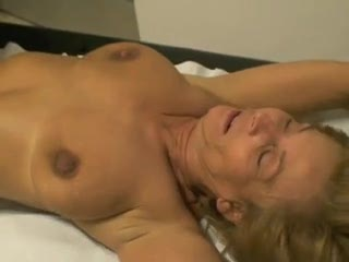 Madurez - Mia moglie Clara dal ginecologo parte 9
