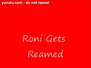 Sexe avec les pieds - Roni Gets Reamed