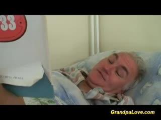 Maduras - Grandpa babe fucking the nurse