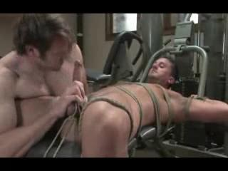 Gay - Bodybuilder gay men sex in gym