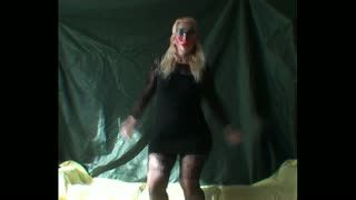 - Dancing wife has no need for panties