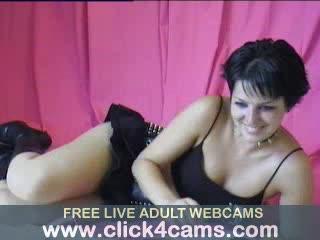 - Hottie enjoying toys on live cam