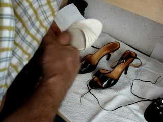 - Cum in wife\'s shoes