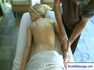 - Massage guy seducing cheating blonde girl at hom...