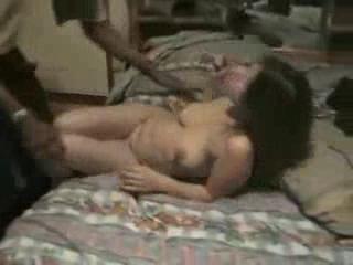 - Moglie fa le corna al marito cuckold che la ripr...