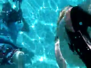 Shower/bath - Lexie underwater