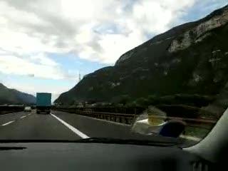 - in autostrada