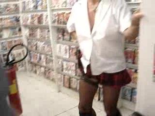 - suite exhibe dans sex chop avignon ave tripotage