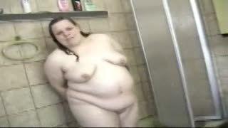 Shower/bath - mollige , dicke Ehefrau Steffie